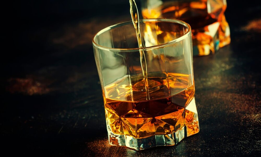 How to Drink Whisky Neat