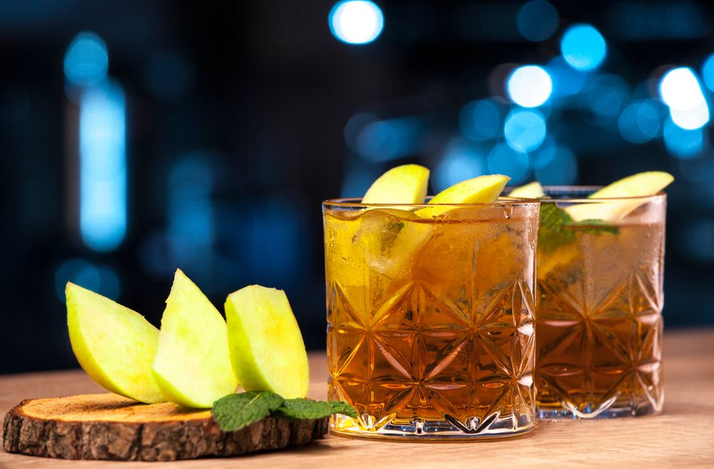What to Mix With Apple Whiskey