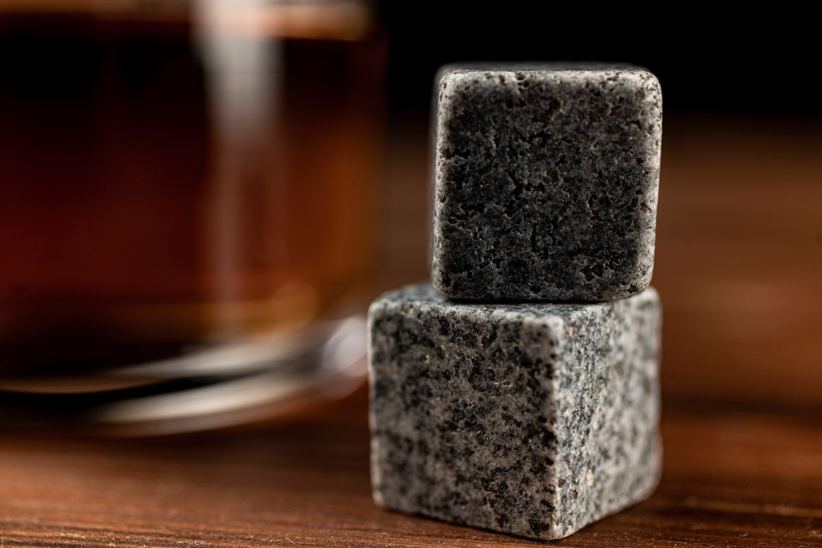 Buying Guide for the Best Granite Stone for Whiskey