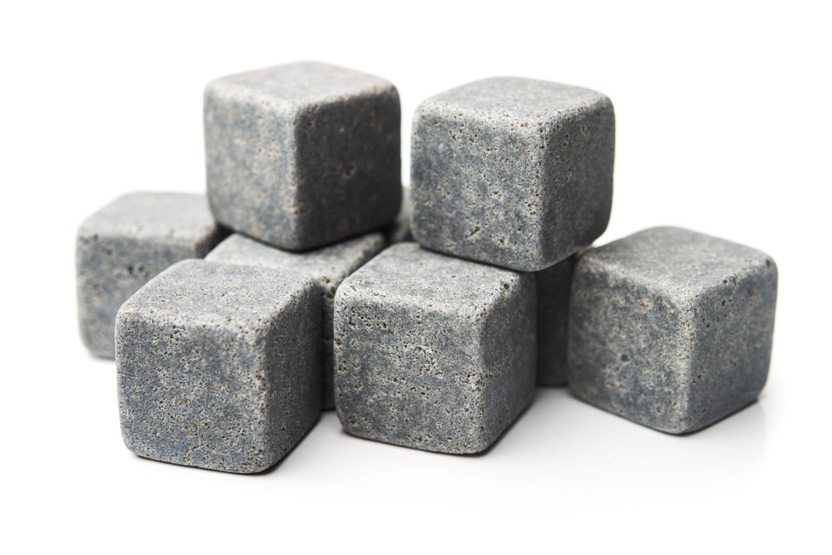 How Do Whiskey Stones Impart the Temperature