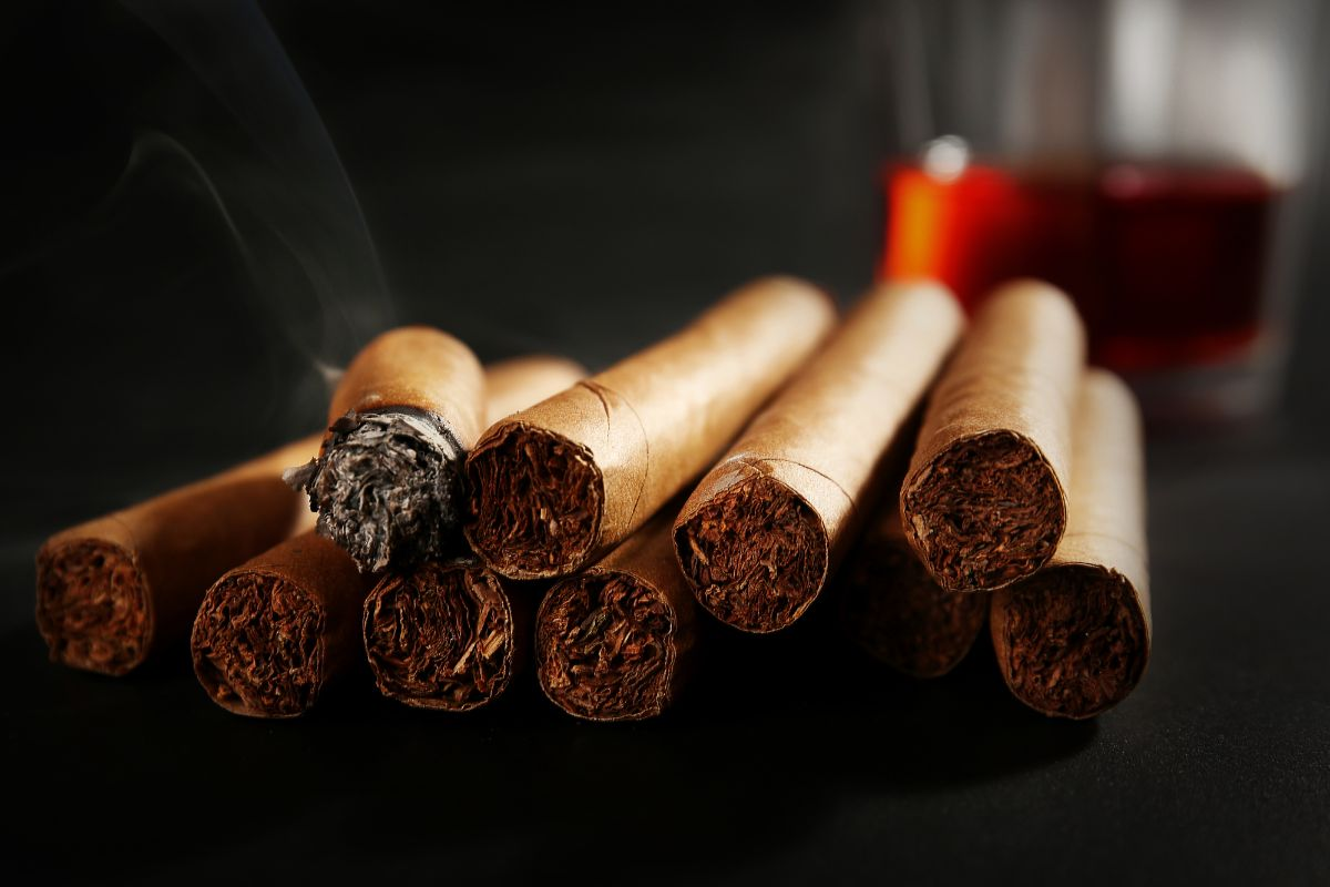 What Are Dram Cigars for Whiskey